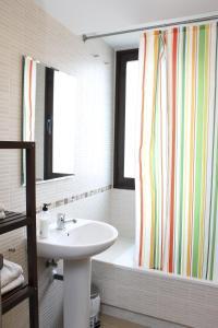 Apartamentos Calle José, Appartamenti  Madrid - big - 102