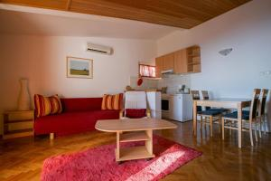 Apartments Staničić, Apartmány  Brela - big - 90