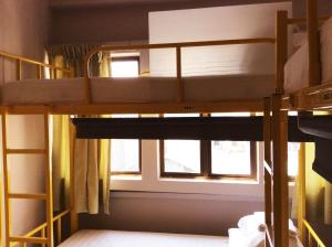 2 Single Bed in 10-Bed Mixed Dormitory Room