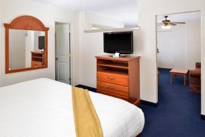 Magnuson Hotel and Suites Alamogordo, Hotely  Alamogordo - big - 55
