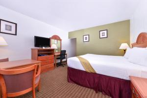 Magnuson Hotel and Suites Alamogordo, Hotely  Alamogordo - big - 37