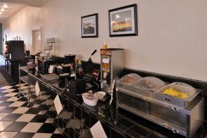 Magnuson Hotel and Suites Alamogordo, Hotely  Alamogordo - big - 40