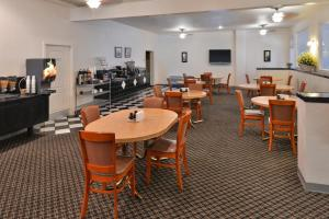 Magnuson Hotel and Suites Alamogordo, Hotely  Alamogordo - big - 41