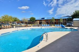 Magnuson Hotel and Suites Alamogordo, Hotely  Alamogordo - big - 58