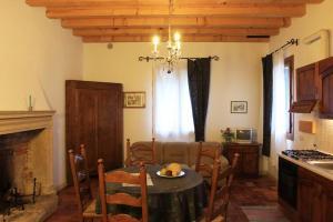 Agriturismo La Sophora, Appartamenti  Montegaldella - big - 71