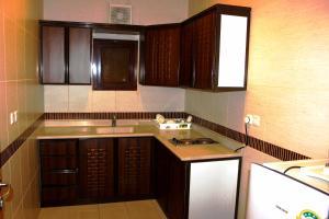 Yanbu Inn Residential Suites, Апарт-отели  Янбу - big - 21