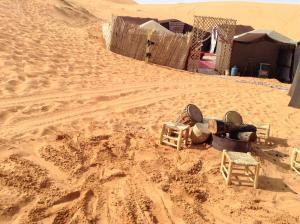 Marhaba Camp, Camel & Sandboarding, Luxury tents  Merzouga - big - 79