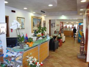 Hotel Venezia, Szállodák  Caorle - big - 82