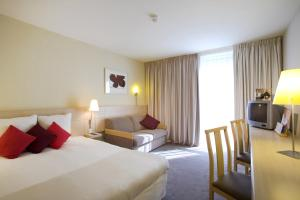 Novotel Newcastle Airport (7 of 63)