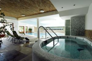 Crocus Gere Bor Hotel Resort & Wine Spa, Hotel  Villány - big - 68