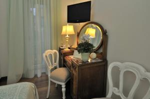 Luxury B&B La Dimora Degli Angeli, Guest houses  Florence - big - 32