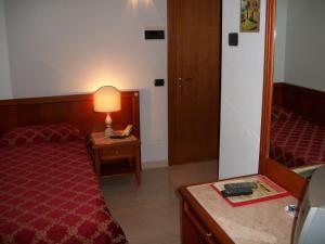 Hotel Olioso, Hotel  Peschiera del Garda - big - 3