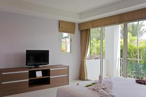 Bangtao Tropical Residence Resort and Spa, Resorts  Bang Tao Beach - big - 47
