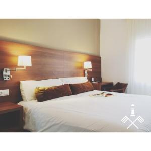 Hotel Carbonell, Hotely  Llança - big - 8