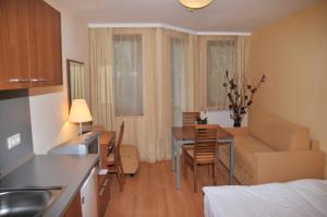 Villa Park Guest Apartments, Apartmanhotelek  Borovec - big - 29