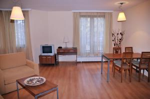 Villa Park Guest Apartments, Apartmanhotelek  Borovec - big - 3