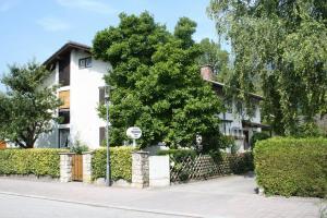 Gästehaus Christa Mauerer, Penzióny  Bad Reichenhall - big - 15