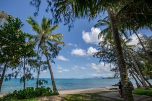 Marlin Waters Beachfront Apartments, Aparthotels  Palm Cove - big - 3
