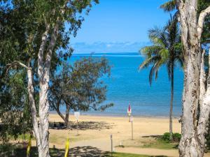 Marlin Waters Beachfront Apartments, Aparthotels  Palm Cove - big - 5