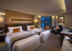 Club Premier Kamer met Kingsize Bed of 2 Aparte Bedden, Zijdelings Uitzicht op de Haven en Toegang tot de Executive Lounge