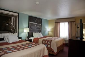 Queen Room with Two Queen Beds-Non Smoking