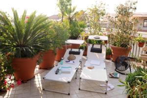 Terrazza Pavone, Apartments  Aci Castello - big - 27