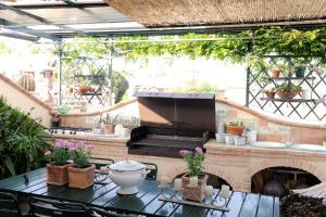 Terrazza Pavone, Apartments  Aci Castello - big - 25