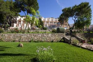 Invisa Hotel Club Cala Blanca, Hotely  Es Figueral Beach - big - 54