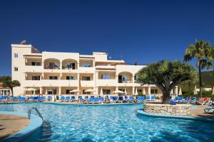 Invisa Hotel Club Cala Blanca, Hotely  Es Figueral Beach - big - 62