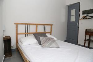 Appartement de charme, Ferienwohnungen  Honfleur - big - 32