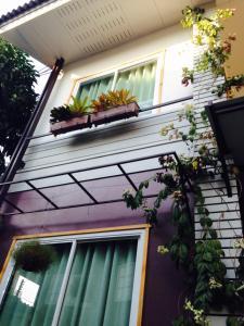 Baan Jaru, Гостевые дома  Чианграй - big - 103