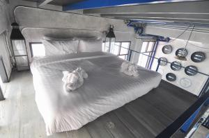 Deluxe Double Room with Balcony (7.00 AM)