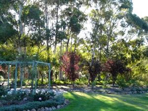 Granite Gardens Cottages & Lake Retreat