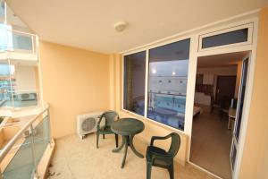 Menada Esperanto Apartments, Apartmány  Slunečné pobřeží - big - 50