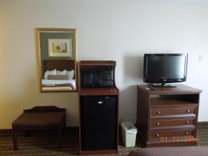 King Room with Sofa Bed - Non Smoking