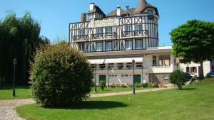 Logis Hostellerie Saint Pierre