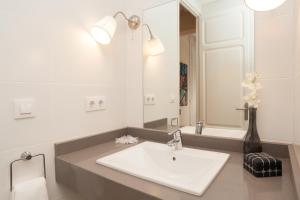 Two Apartments with Three-Bedrooms -Aragó 423