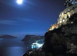 Casa Anna Capri Charme, Апартаменты  Капри - big - 24