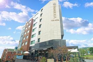 Benikea I-Jin Hotel, Hotely  Jeju - big - 64