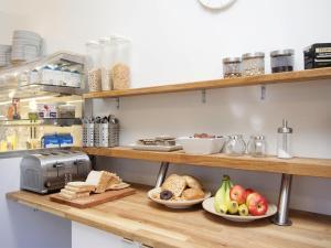 Kef Guesthouse at Grænásvegur, Bed and breakfasts  Keflavík - big - 30