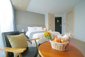 Benikea I-Jin Hotel, Hotely  Jeju - big - 5