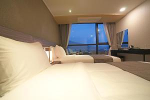 Benikea I-Jin Hotel, Hotely  Jeju - big - 29