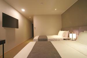 Benikea I-Jin Hotel, Hotely  Jeju - big - 9