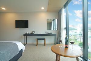 Benikea I-Jin Hotel, Hotely  Jeju - big - 15