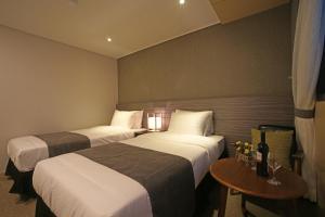 Benikea I-Jin Hotel, Hotely  Jeju - big - 22