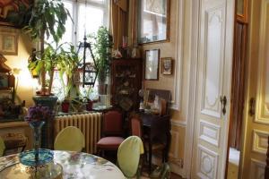 Hotel Les Bluets, Hotely  Brusel - big - 20
