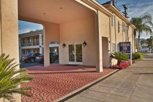 Burbank Inn and Suites, Motels  Burbank - big - 13