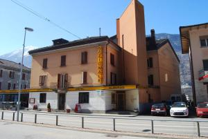 Albergo Nazionale, Bed & Breakfast  Biasca - big - 1
