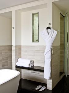 Hotel Marignan Champs-Elysées, Отели  Париж - big - 44