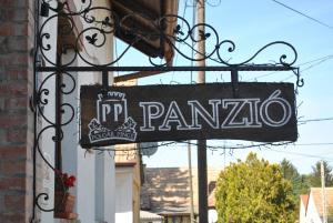 Polgár Panzió, Panziók  Villány - big - 16